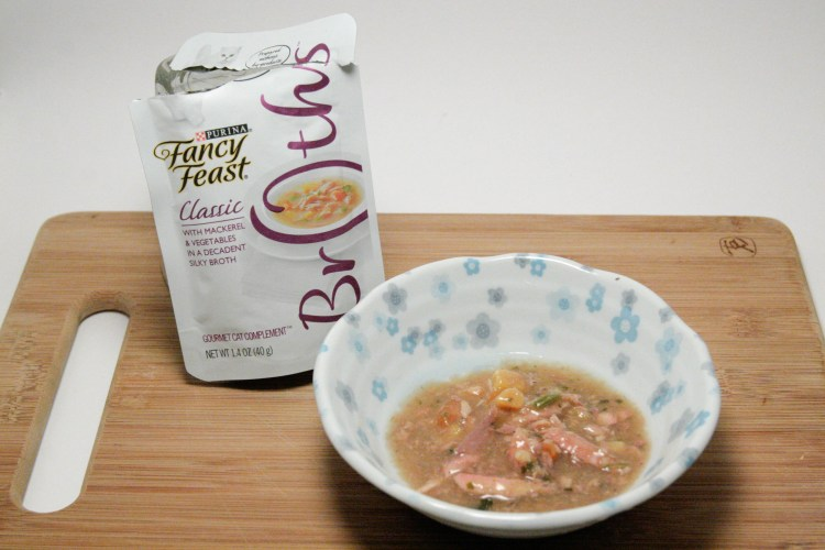 Fancy Feast Broths Classic Mackerel