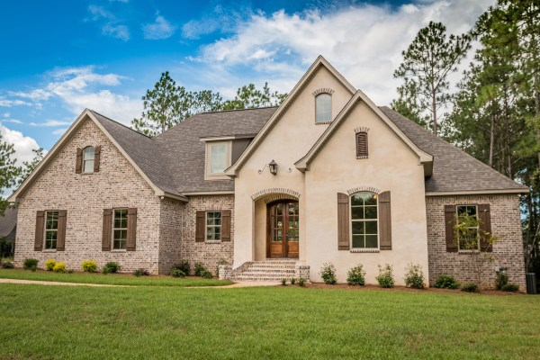 4 Bedrm 2399 Sq Ft European House Plan with Video 1421160