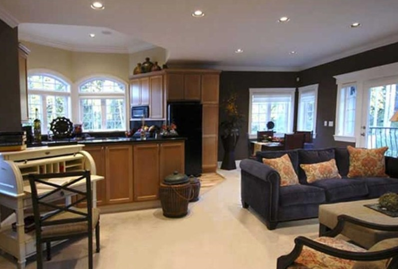 The In Law Suite Revolution  What to Look for in a House Plan Many of our visitors have inquired about In law suites  and we have  deliberated long and hard over the issue  We have searched our house plans  for months