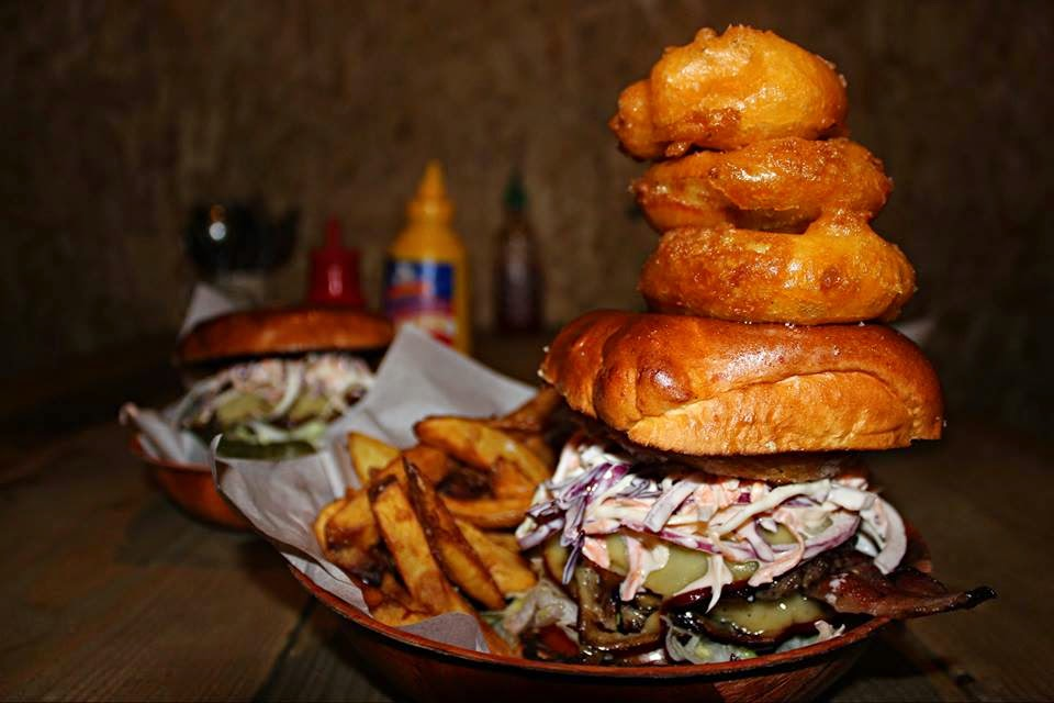 burger onion rings spit and sawdust cardiff