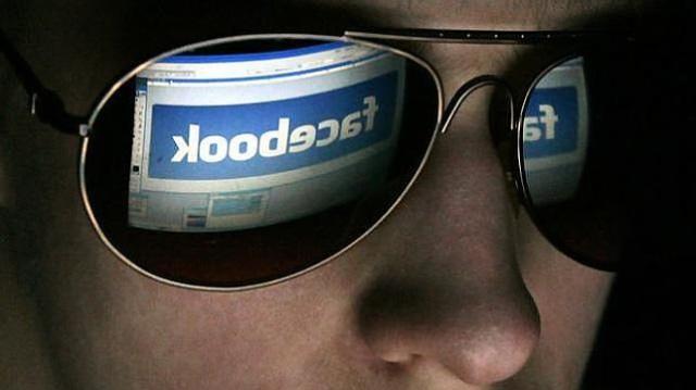 spionat pe facebook