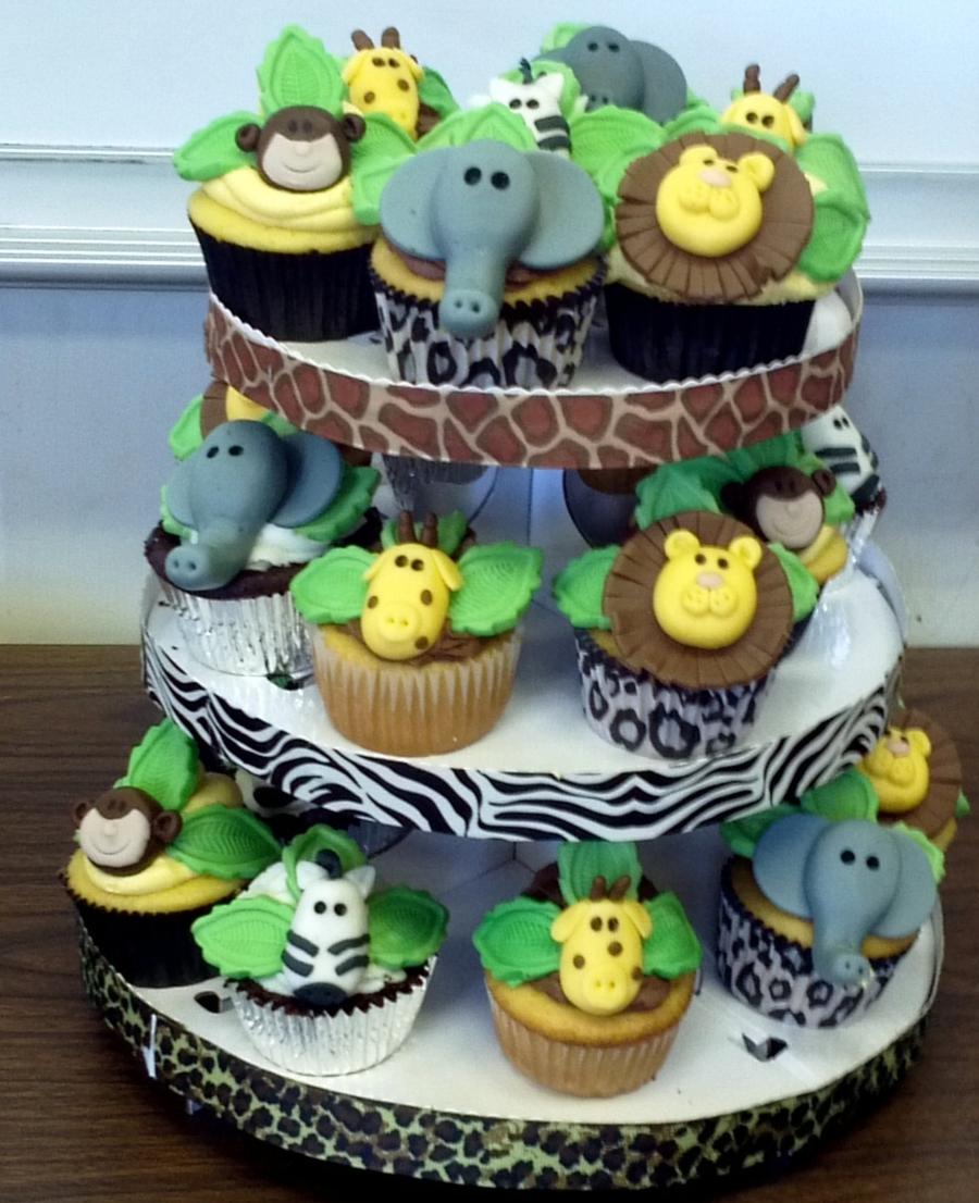 Decoratiuni cupcake pentru baia unui bebelusi