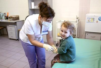 Copiii nevaccinați sunt mai sănătoși decât cei vaccinați
