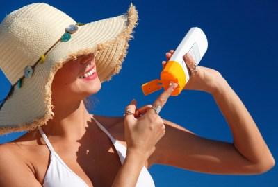 Produsele de protecție solară (creme, emulsii, uleiuri cu protecţie) cauzează cancer