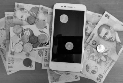 De ce vor să impună banii electronici?
