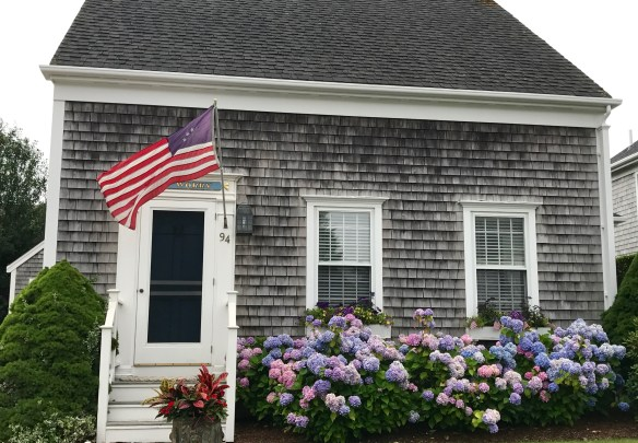 Nantucket home photo by christina dandar for The Potted Boxwood 19