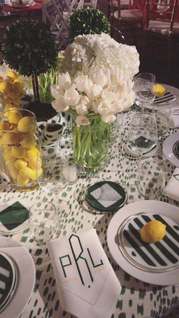 KKG Tablescapes 2017 photo by the potted boxwood 16