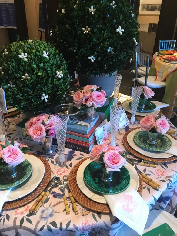 KKG Tablescapes 2017 photo by the potted boxwood 19