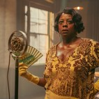 MA RAINEY'S BLACK BOTTOM(2020) Viola Davis as Ma Rainey. Cr. David Lee/NETFLIX