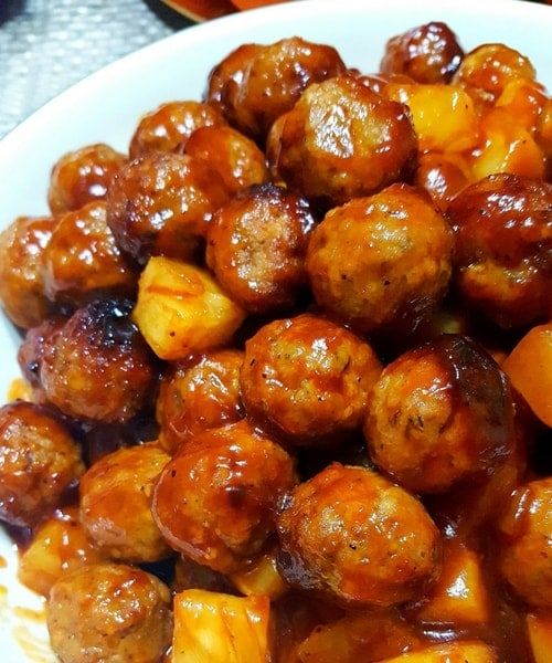 Slow Cooker Pineapple BBQ Meatballs l easy recipes l easy dinner recipes l meal plan l budget plan l dinner recipes