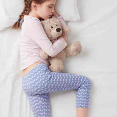 Comprehensive Sleep Charts & Sleep Guidelines for Infants Through Adolescents