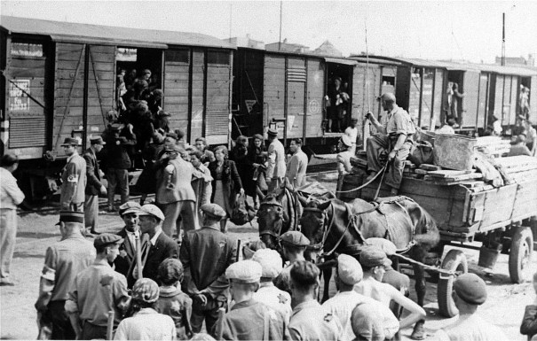 Following the public announcement of the establishment of the Lodz ghetto on February 8, 1940, Jews were expelled from all other parts of the city and moved into the ghetto area. 164,000 Jews were imprisoned in the ghetto when the Germans sealed it off on April 30, 1940.