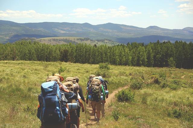hiking-691738_640