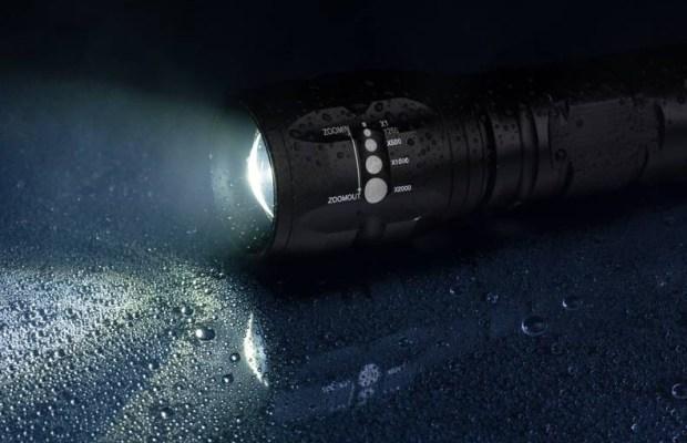 j5-tactical-flashlight-1000x510