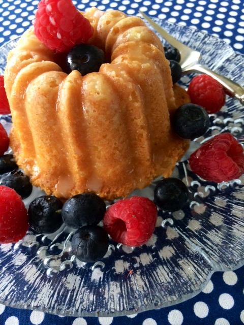 Patriotic Lemond Pound Cake