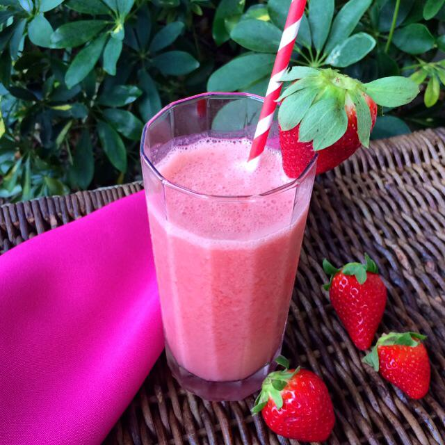 Strawberry and Pink Grapefruit Smoothie
