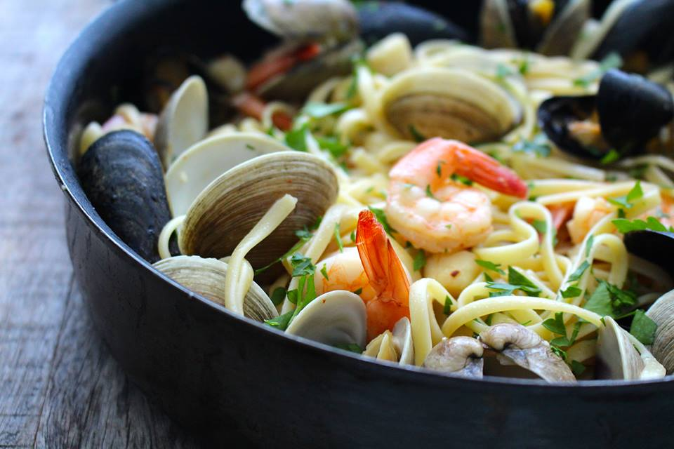 Shellfish Pasta with Garlic Butter Sauce