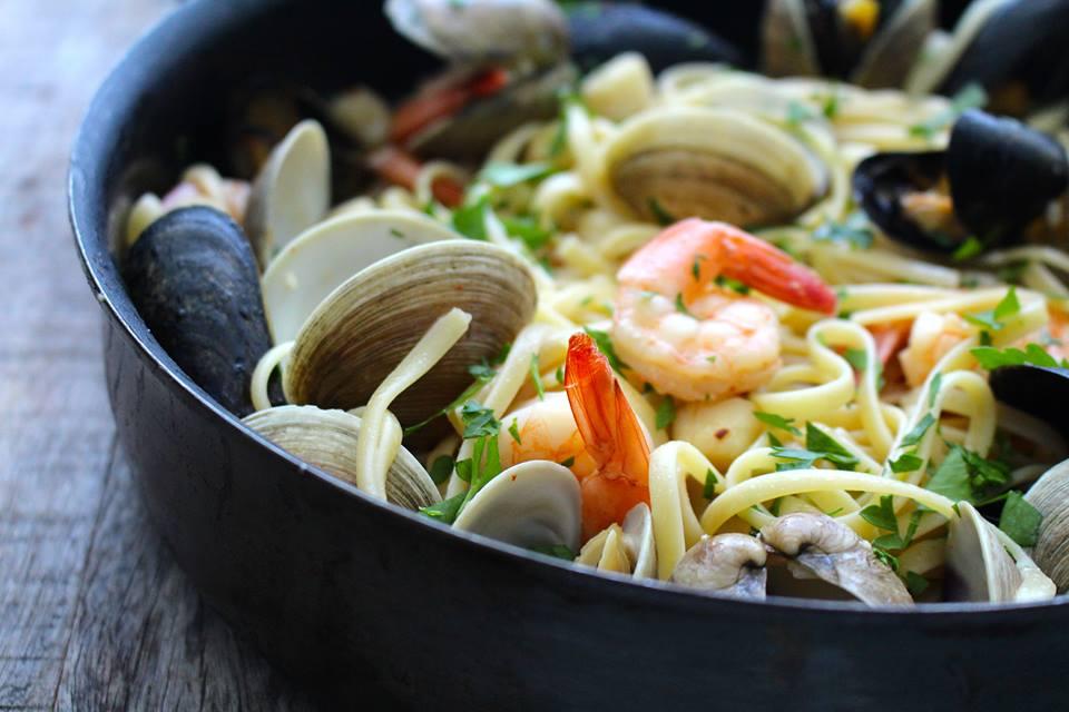 Shellfish Pasta with Garlic Butter Sauce