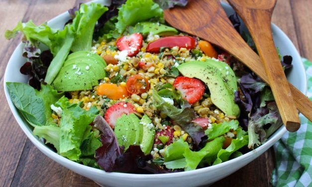 Spicy Grilled Corn and Strawberry Quinoa Salad