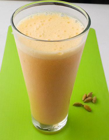 thick, smooth, creamy and insanely delicious mango lassi