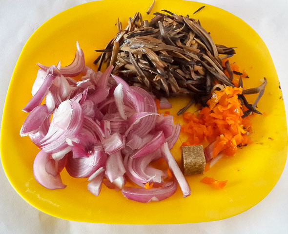 some ingredients for achicha, dry cocoyam
