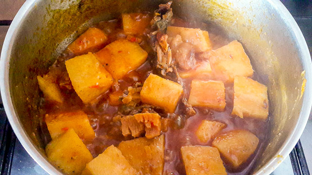 Vegetable Yam porridge ln a pot