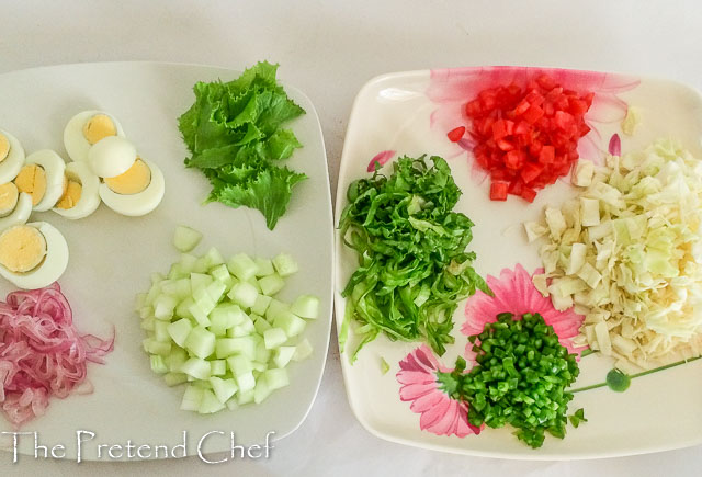 vegetables chopped and ready for Nigerian vegetable salad