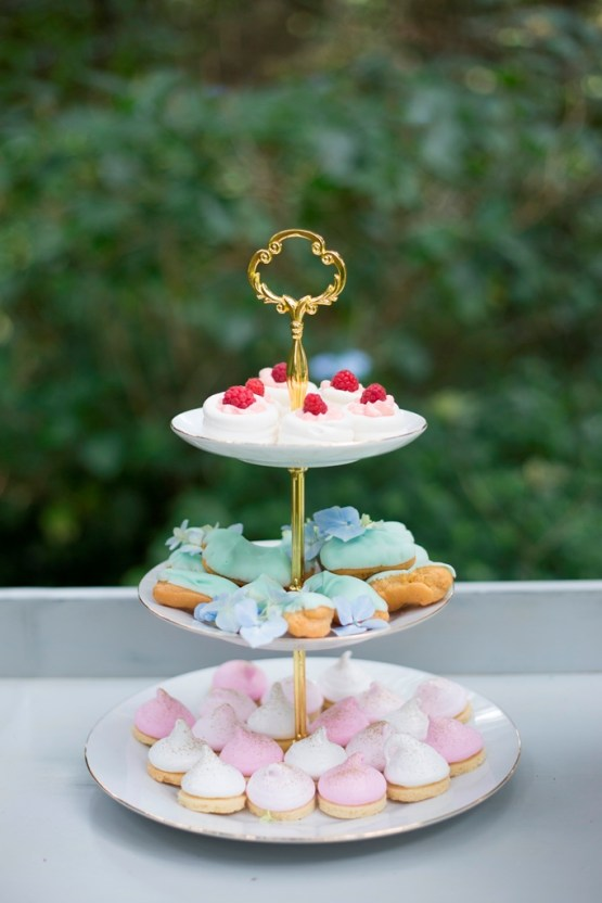 3 tier cake stand hire