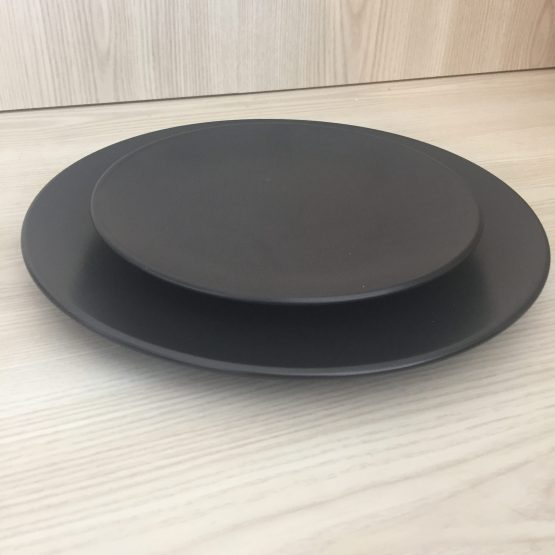 black dinner plate hire