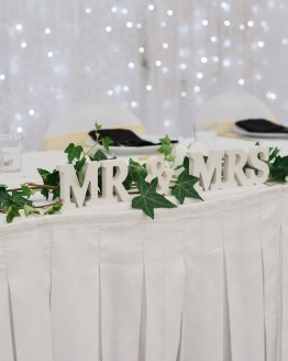 mr & mrs sign hire nz