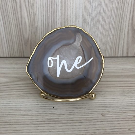 agate table number hire nz