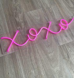kiss hug neon hire auckland nz