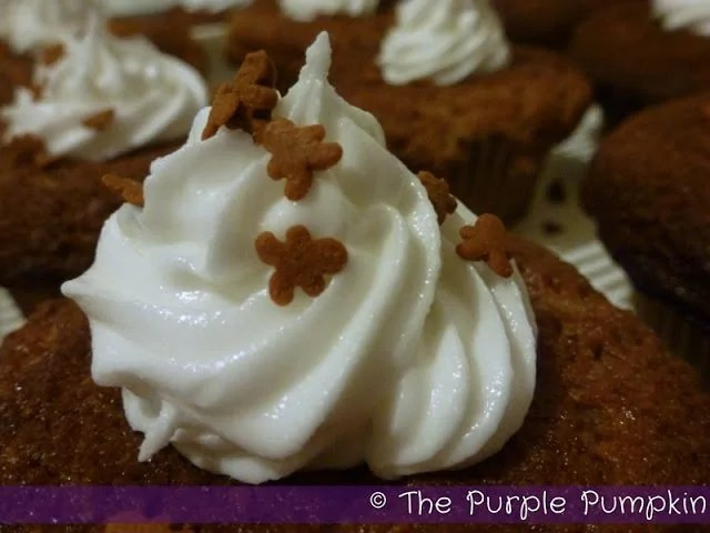 gingerbread-cupcakes22