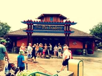 pin-traders-sign