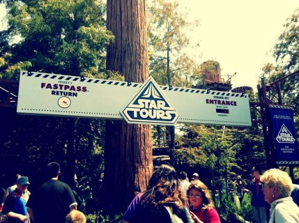 star-tours-sign