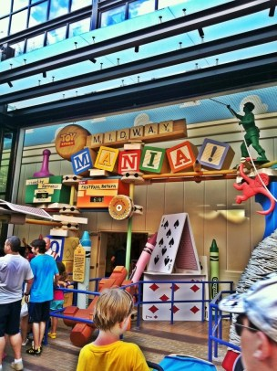toy-story-mania-sign
