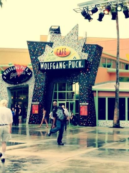 wolfgang-puck-sign
