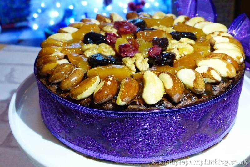Rich Christmas Cake Recipe Jamie Oliver: Decorating A Fruit Cake With Nuts