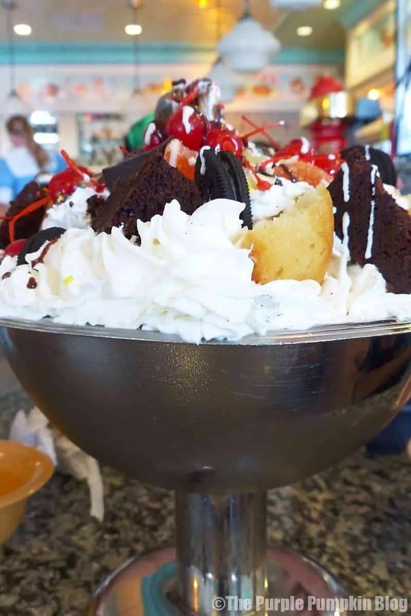 Kitchen Sink - Beaches & Cream