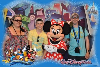 Meeting Minnie Mouse at Epcot