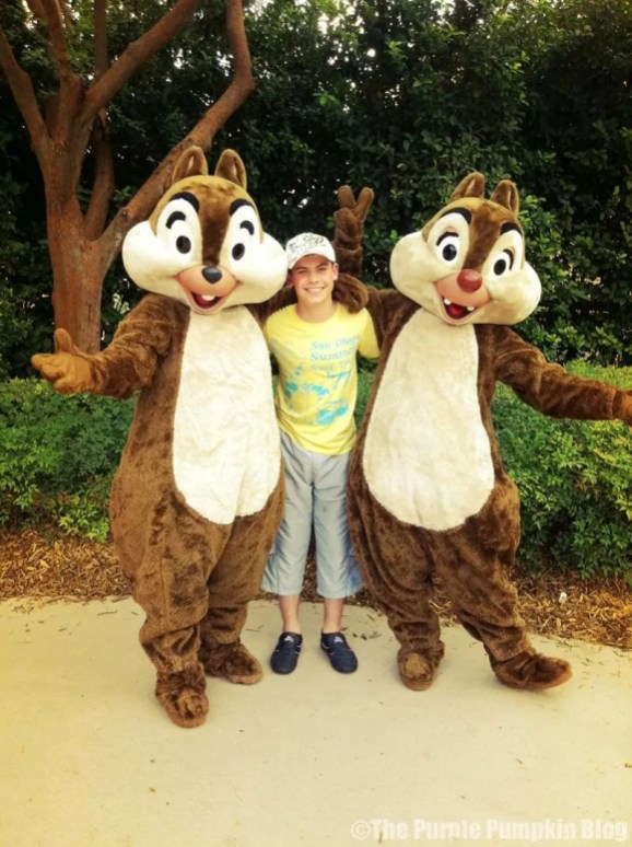 Meeting Chip 'n' Dale at Epcot 2011