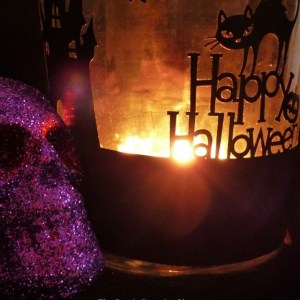 DIY Halloween Candle Holder using vinyl on the Cricut Explore