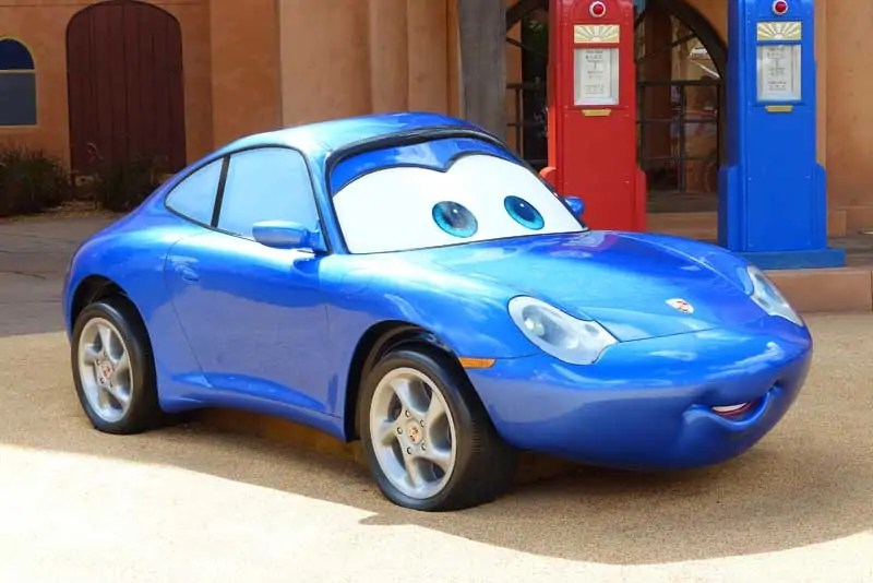 Disney Art of Animation - Cars Courtyard - Sally Carrera Model