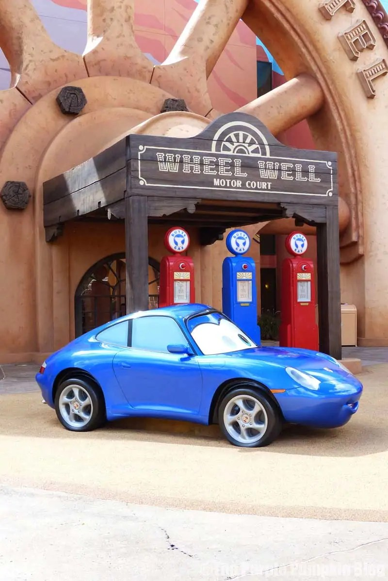 Disney Art of Animation - Cars Courtyard - Sally Carrera Model