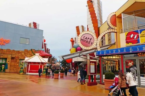 Disney Village - Disneyland Paris (14)