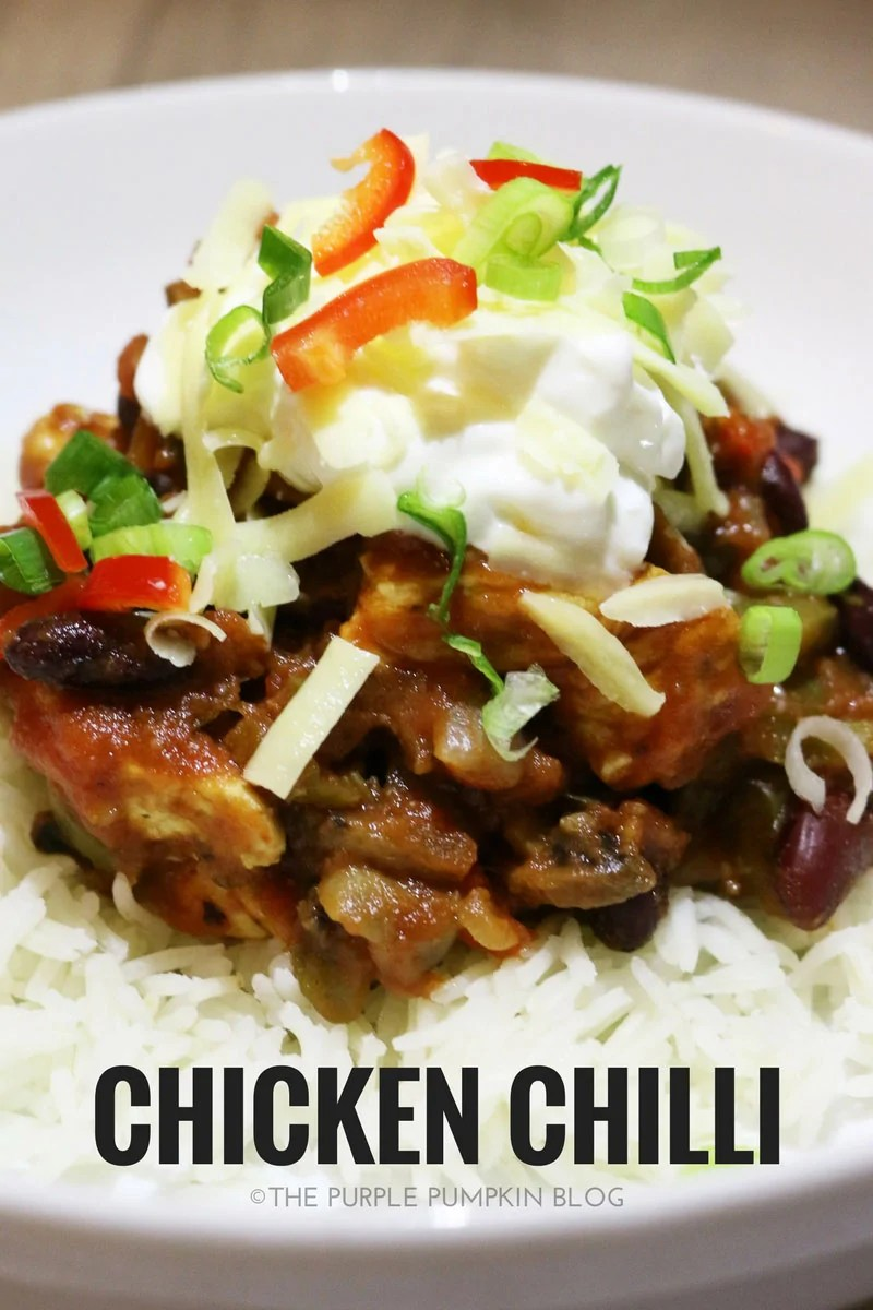 This simple chicken chilli is a tasty, make-ahead dish that you can add to your meal prep rotation!
