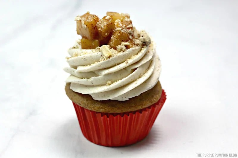 Cupcakes topped with apple pie filling