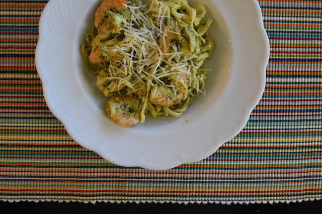 Pesto Shrimp & Pasta - The Queen in Between