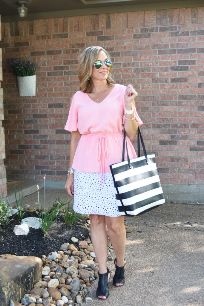 Blushing Over Dots & Stripes - The Queen in Between