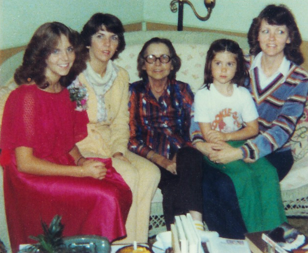 From L-R: My niece Kelly, Sister Sharon, Mom, My niece Michelle and my Sister Dianne. Not long before my moms death. Who knows where the hell I was for this? It looks like Kelly was dressed up for a school dance, corsage and all!